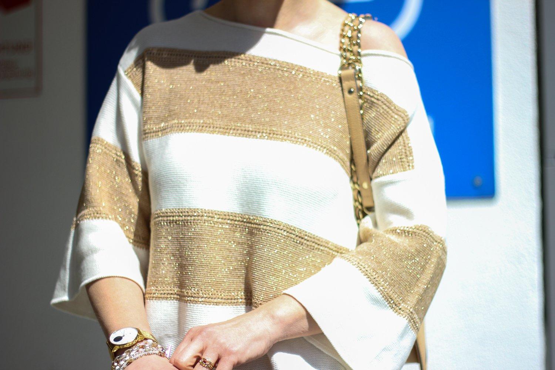 conny doll lifestyle: Gold und silber Mix, Details, Pullover von TONI-Fashion, Glitzer im Sonnenlicht