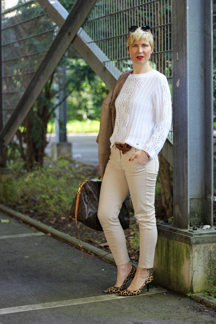 conny doll lifestyle: Mode am Freitag: Stilelemente des Utility-Styles in einem Frühlingslook von WENZ