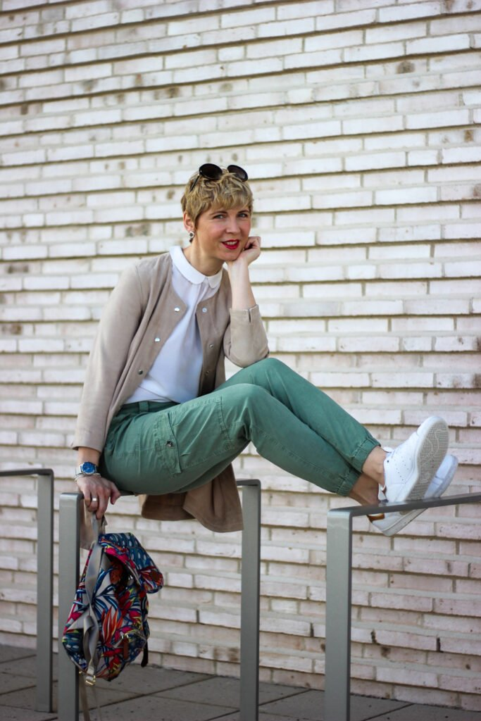 conny doll lifestyle: lieblingsstück, bubikragen, sommerlook, sneaker, casual styling, blogs und kommentare