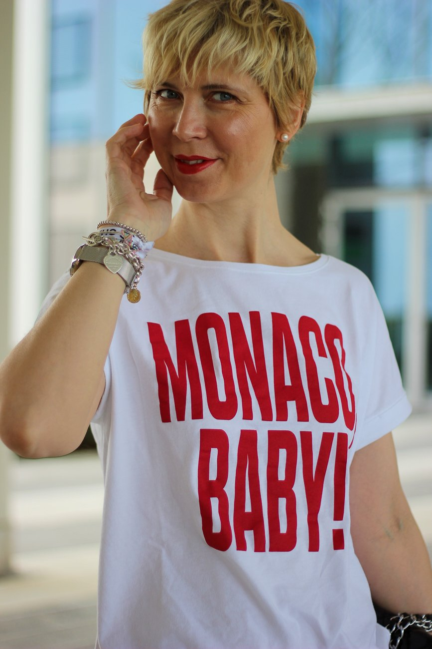 conny doll lifestyle: Monaco Baby, Shirt, casual Styling rote Buchstaben, weißes Shirt