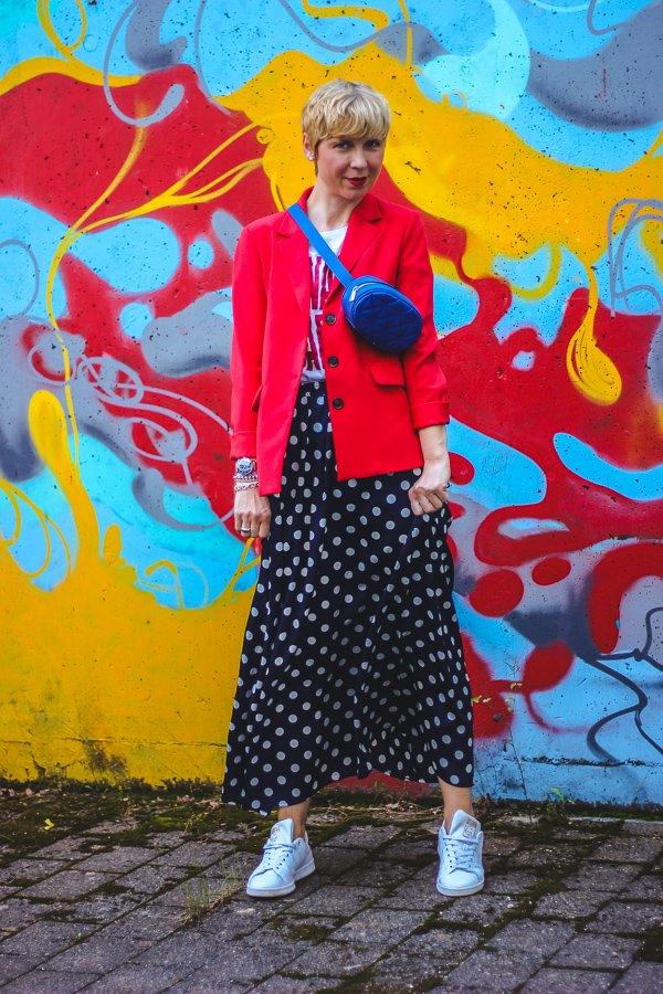 conny doll lifestyle: langer Rock, Blazer, Blogpost: Warum bist Du nicht braun?
