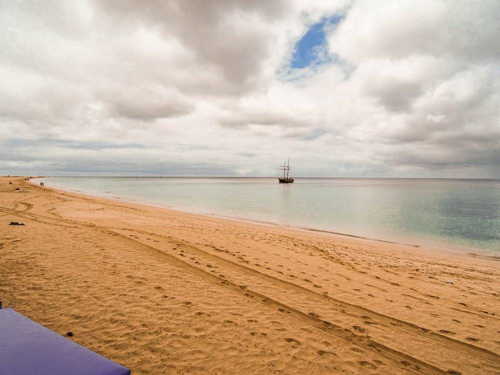 conny doll lifestyle: Fuerteventura, Meer, Strand, blauer Himmel,