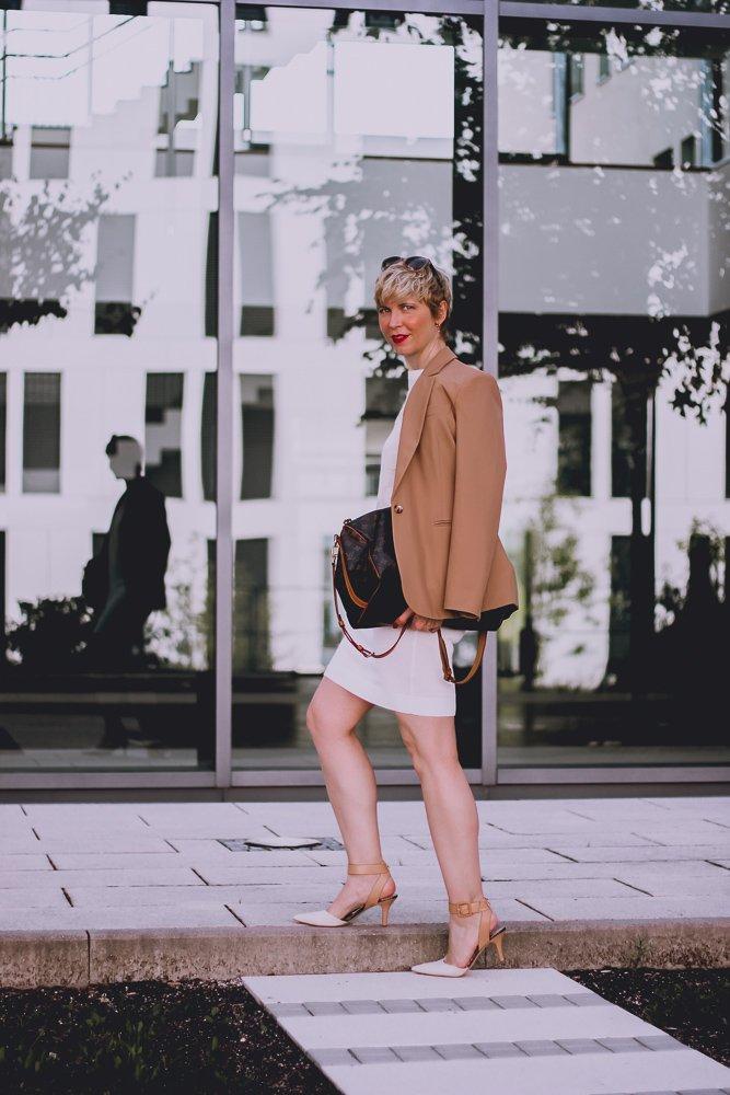 conny doll lifestyle: Das System mit der Mode - ich trage keine Einwegkleidung