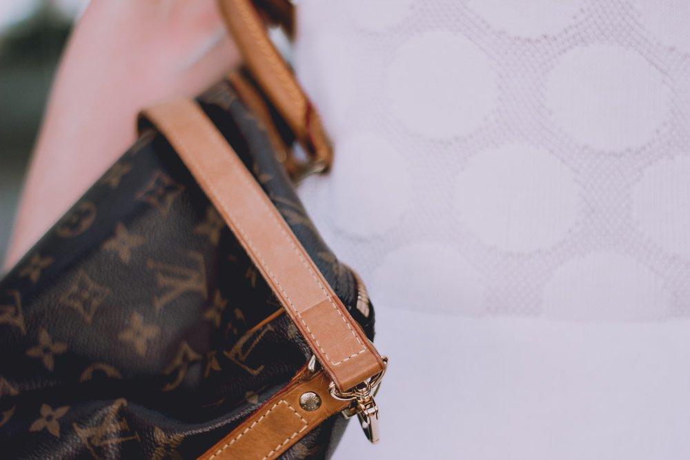 conny doll lifestyle: Louis Vuitton, Speedy 40, Details, Escada-Kleid, Sommerkleid,