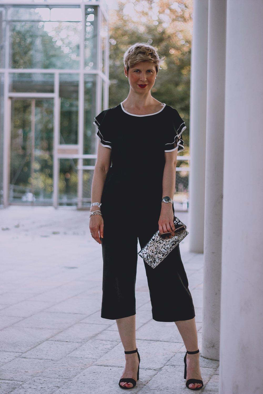 conny doll lifestyle: Culottes - die perfekte Hose für den Sommer - ein Look in schwarz-weiß