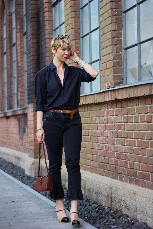 conny doll lifestyle: lässiger Look in schwarz und braun, Businesslook, sportlich, Männerhemd