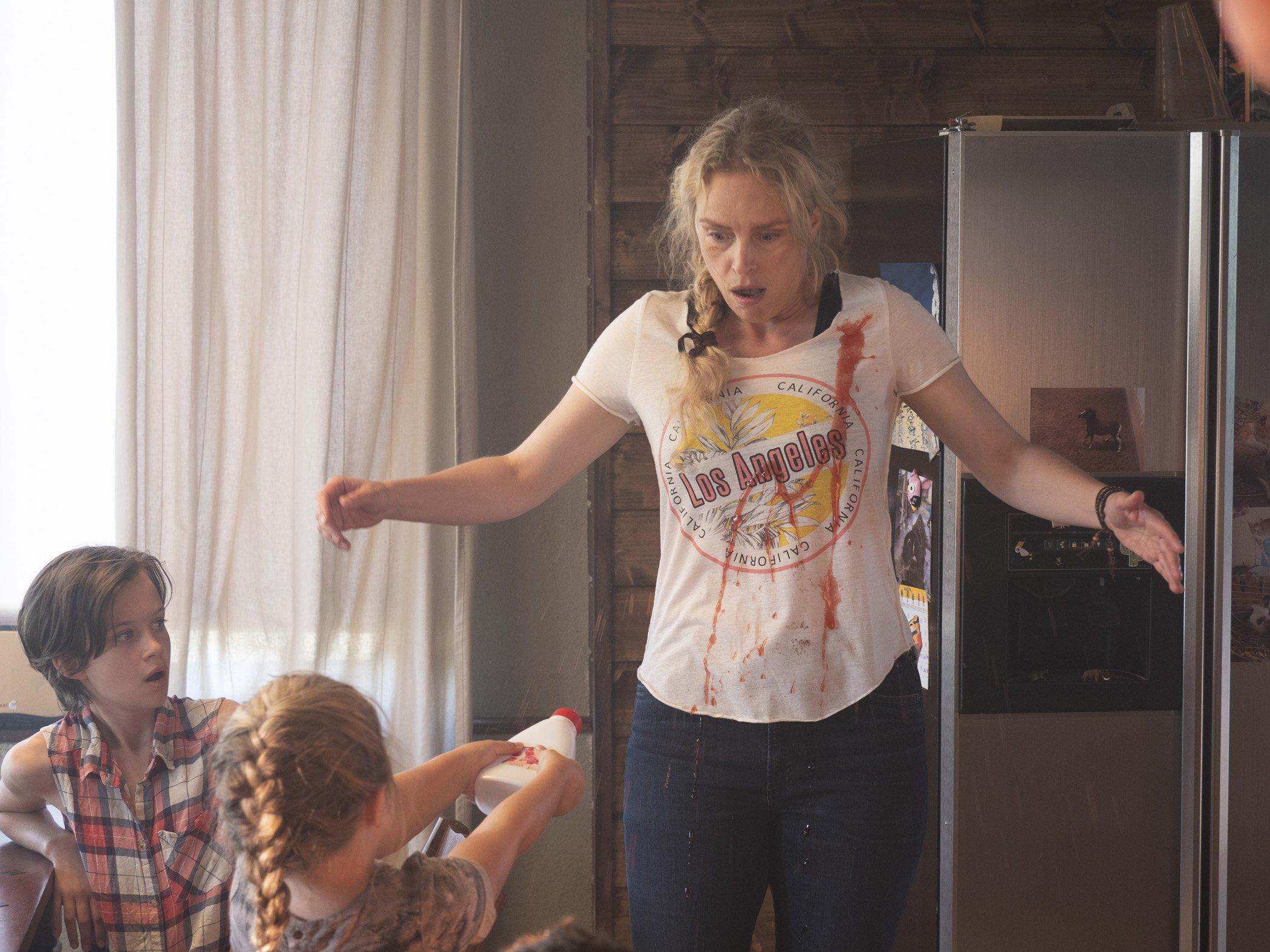 Szenenbild Nina Hoss mit Katerina Lipovska, Wiebke und Raya,DCM