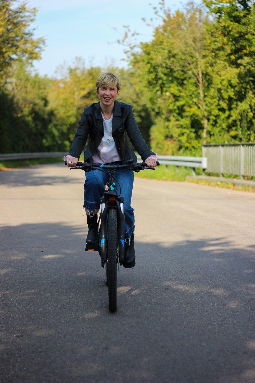 conny doll lifestyle: Keine Bewegung ohne Gelenke - Bikefitting mit Orthomol arthroplus