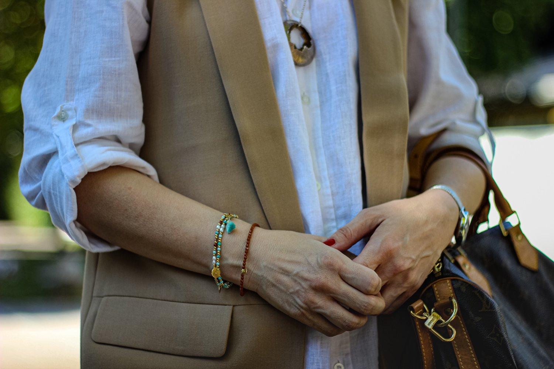 conny doll lifestyle: Marina Hamilton Kette, Armschmuck Iris Lingen, handmadewithlovebyiris, lässiger Übergangslook