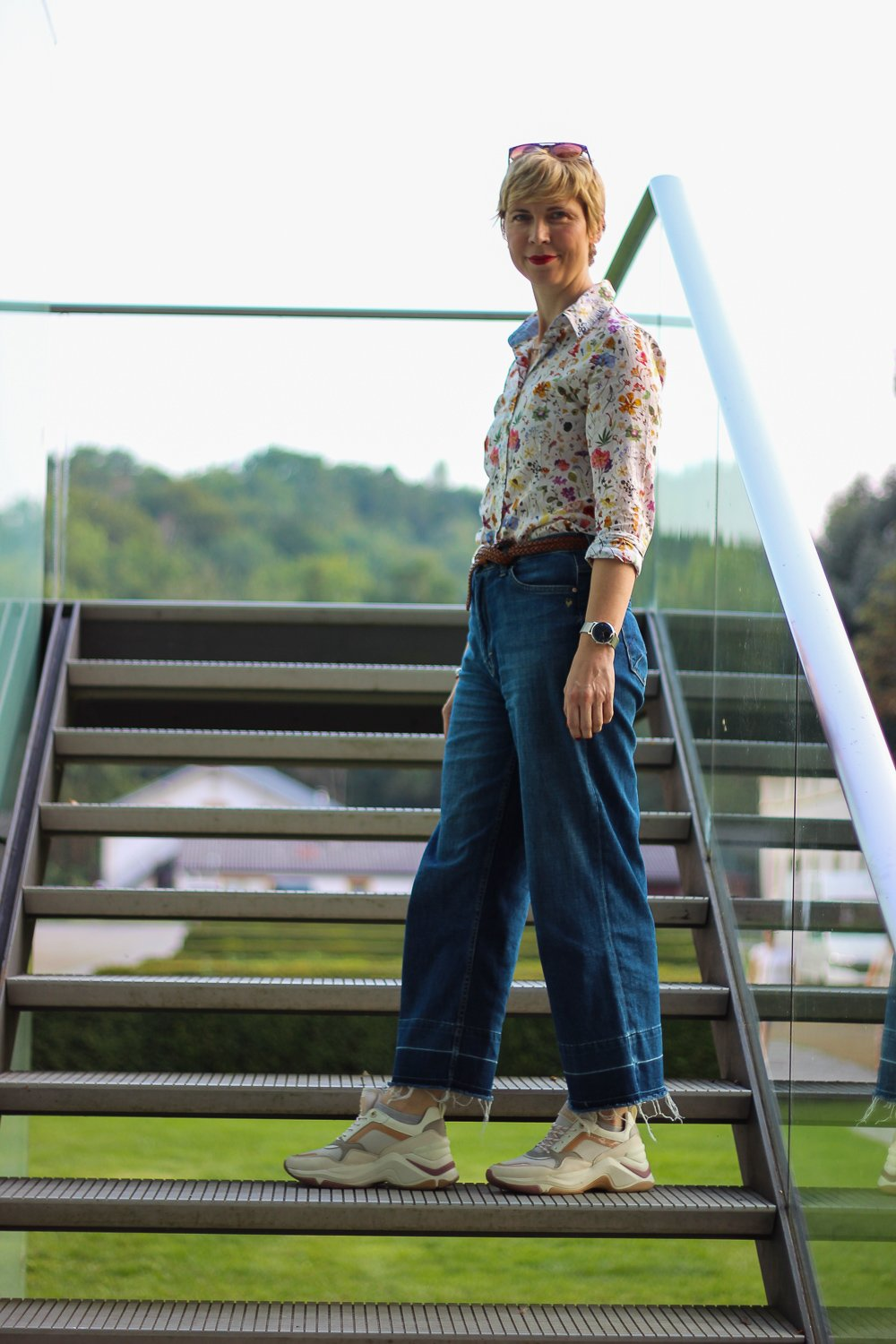 conny-doll-lifestyle: Blumenprint, denim-allover, Herbstlook, Frage