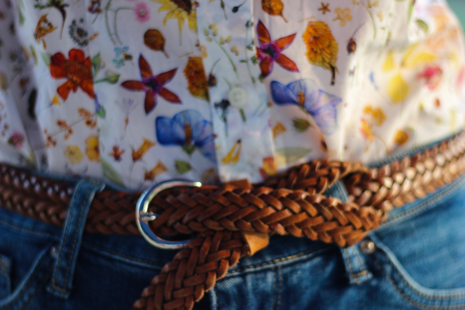 conny-doll-lifestyle: Blumenprint, denim-allover, Herbstlook, Details