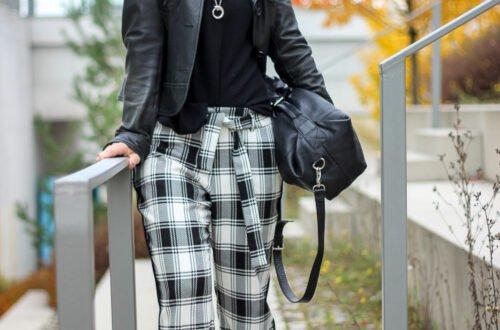 conny doll lifestyle: Weite Hose, Karohose mit Chunkyboots gestylt, Herbstlook, schwarz-weiß