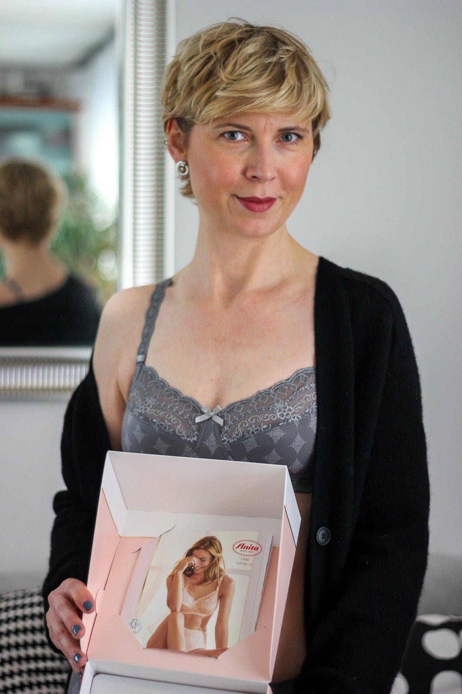 conny doll lifestyle: Brustprothese, Wäsche von Anita Cares und Rosa Faia, Modell Mila in grau