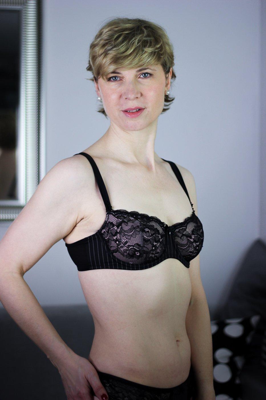 conny doll lifestyle: Wäsche von Anita und ROSA FAIA, Antonia Bügel-BH, Spitzenwäsche