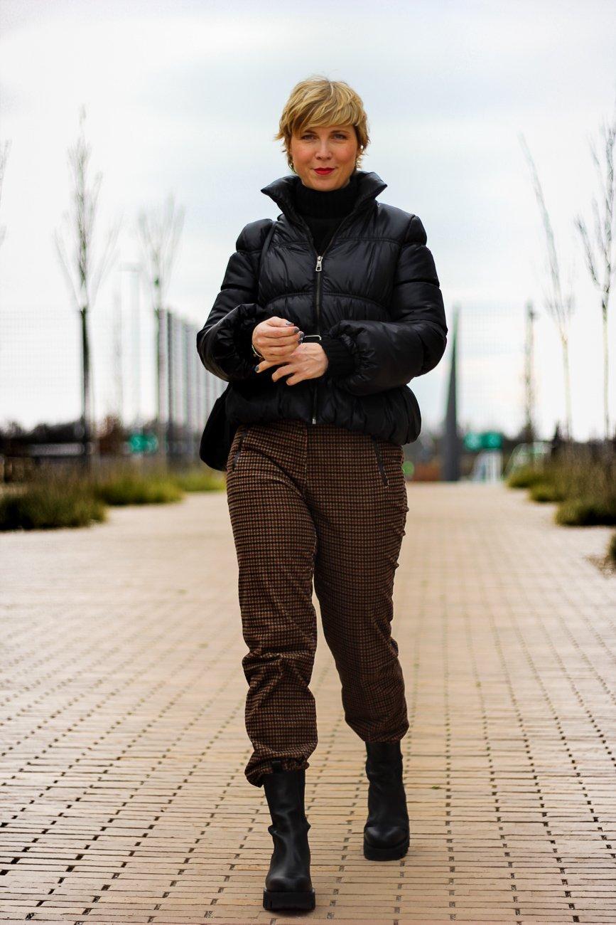 conny-doll-lifestyle: Cordhosen, Toni-Fashion, Winterlook, warmes Outfit für kalte Tage, Wie style ich eine Cordhose?