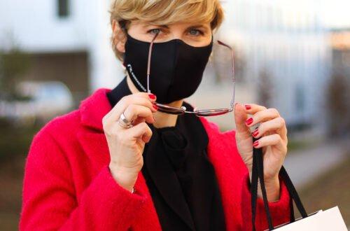conny doll lifestyle: Gleitsichtgläser von Rodenstock, hochpräzise Brillengläser, DNEye-Scanner, Augenvermessung, Biometrische Brillengläser