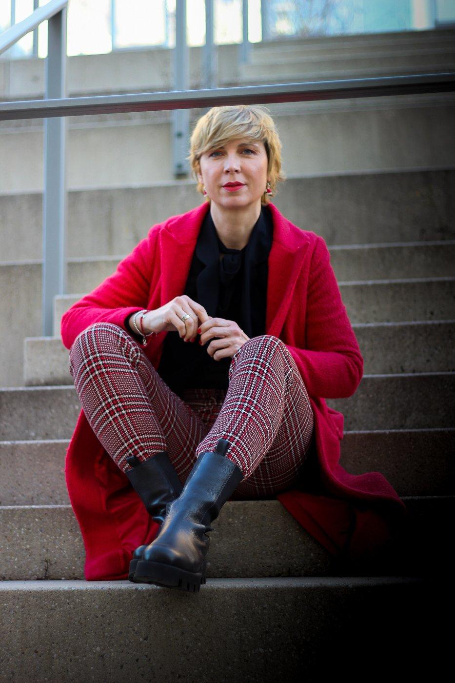 conny doll lifestyle: Die karierte Hose ist immer ein Hingucker und easy zu stylen