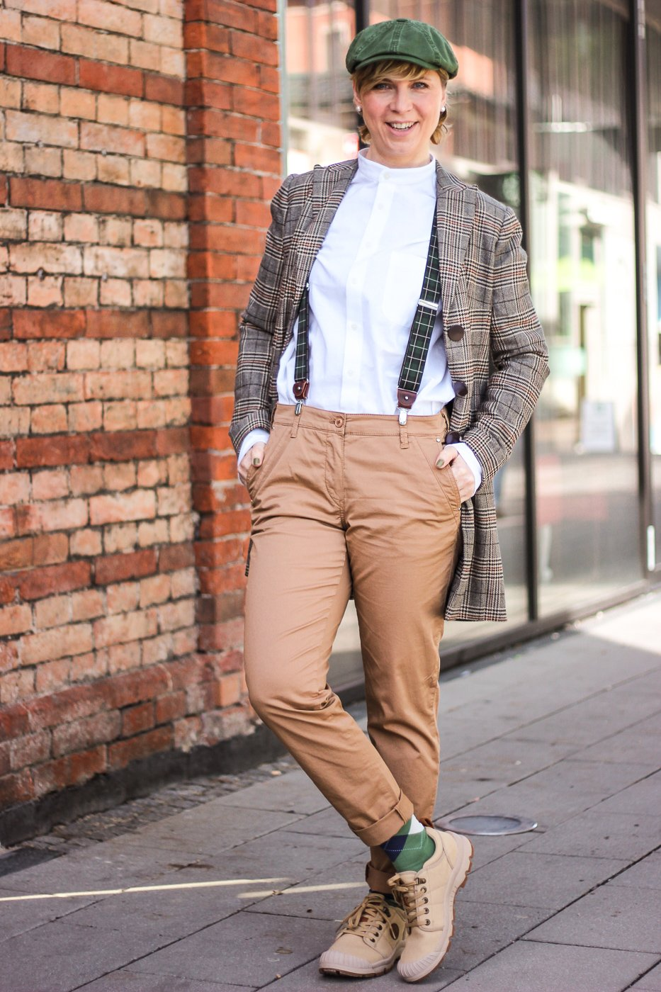 conny doll lifestyle: Dandy Style mit Karoblazer, Outfitidee