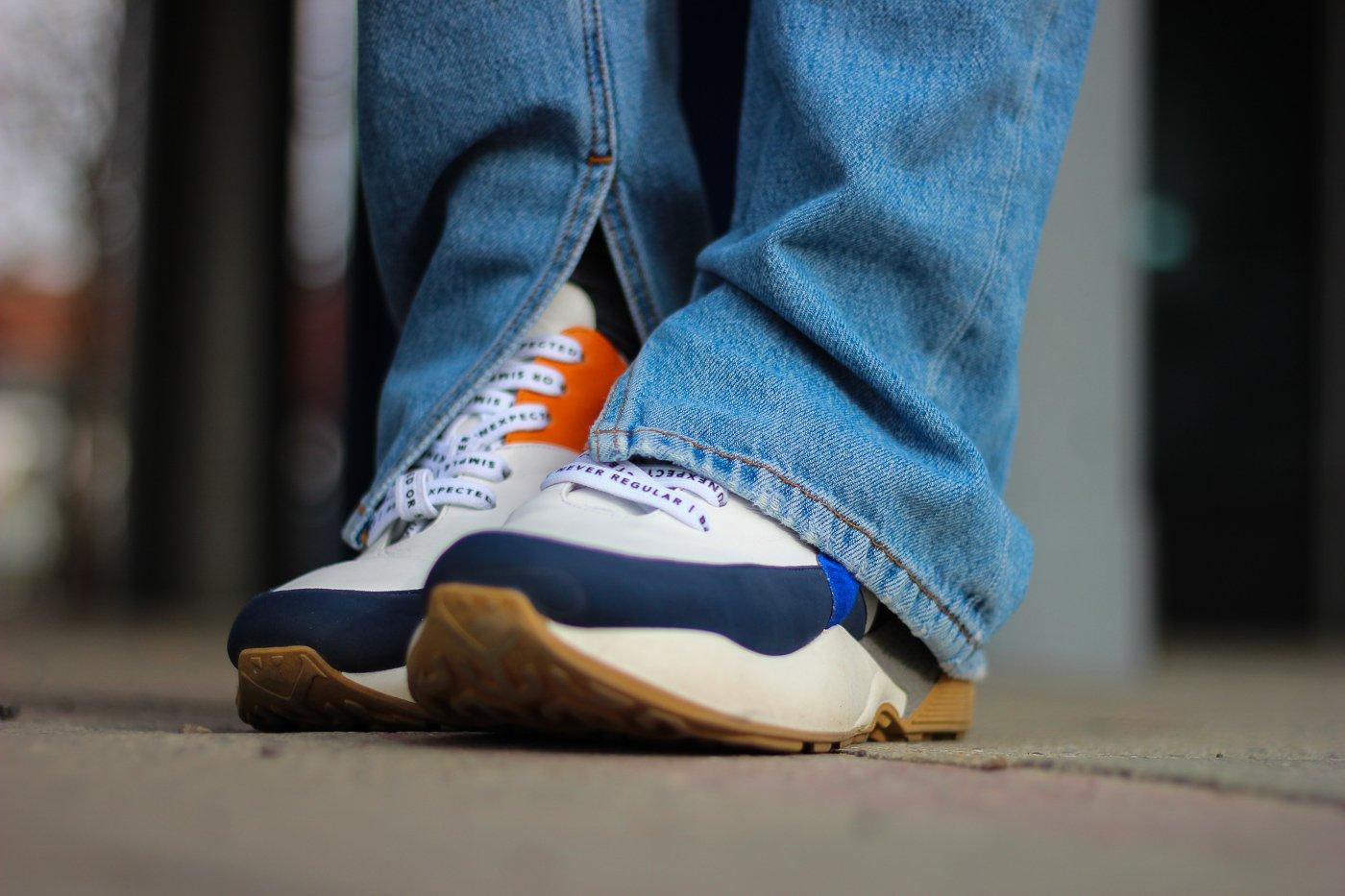 conny doll lifestyle: Sneaker, 10days, Frühling, Ganni-Jeans mit Schlitz
