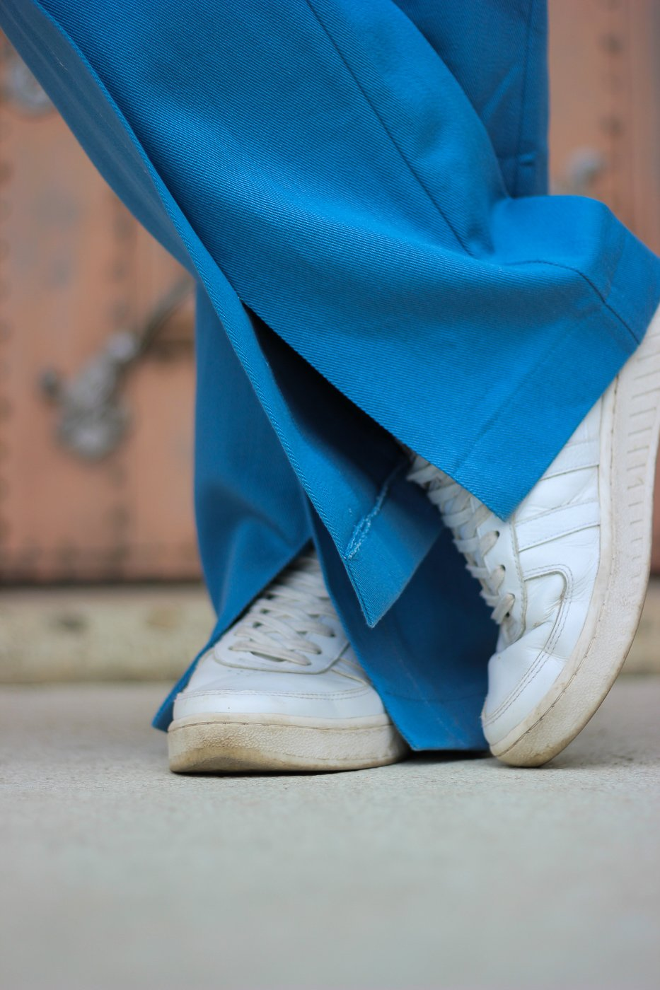 conny doll lifestyle: Sneaker, casual, Hose Mykke Hofmann, Schlitz