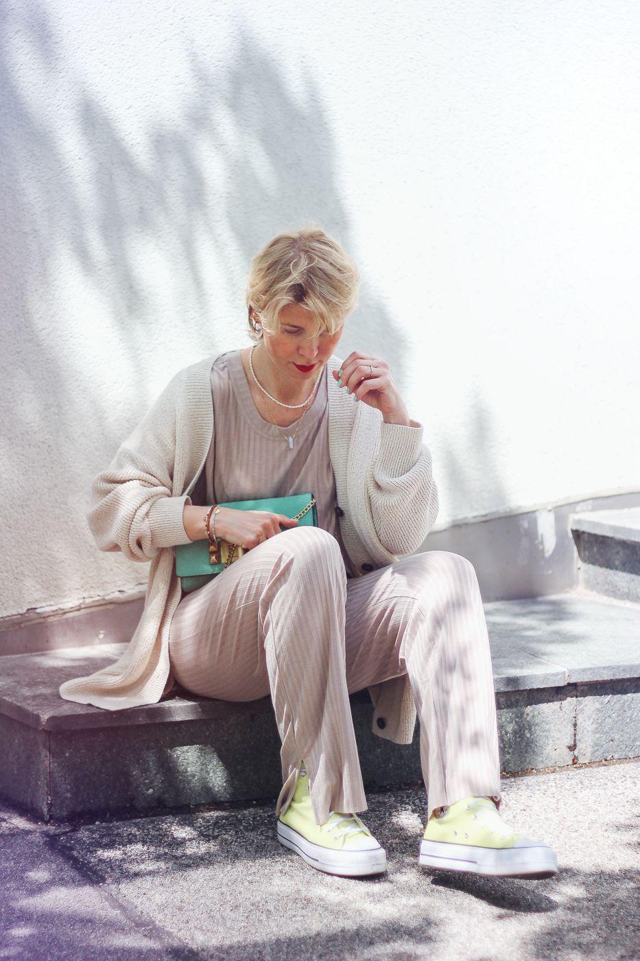 conny doll lifestyle: Pyjama-Style: Wie kombiniere ich den Schlafanzug alltagstauglich?