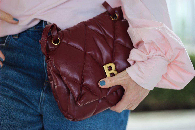 conny doll lifestyle: Balenciaga Tasche, Pillowbag, rot, Frühlingslook