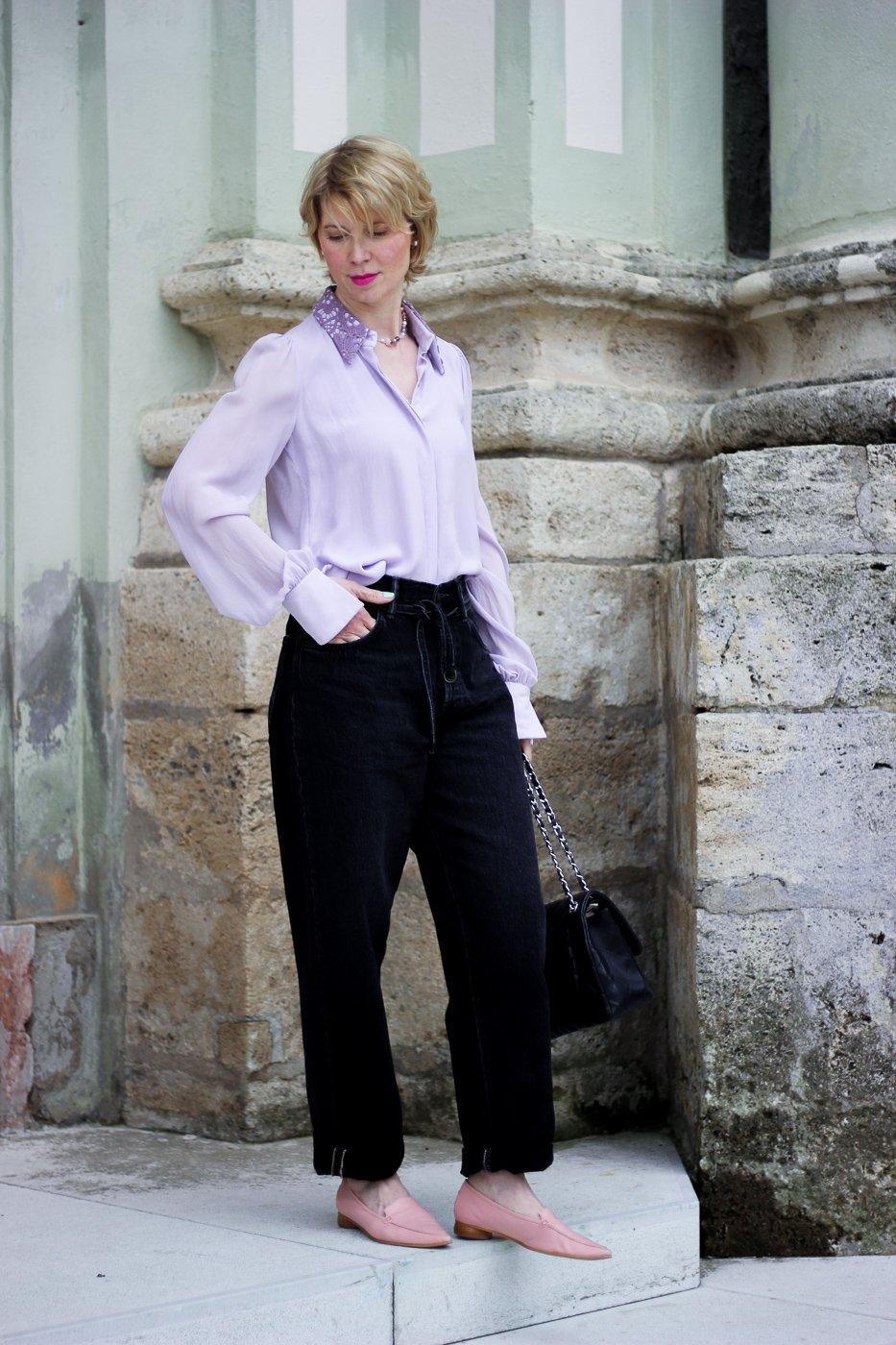 connydolllifestyle: Trendfarbe Flieder - lässig kombiniert zu Schwarz