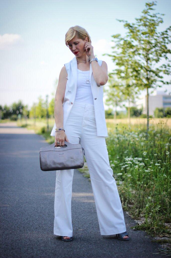 conny doll lifestyle: Weiß ist das neue Weiß, lange weite Hose, weiß Komplettlook, Sommerstyle