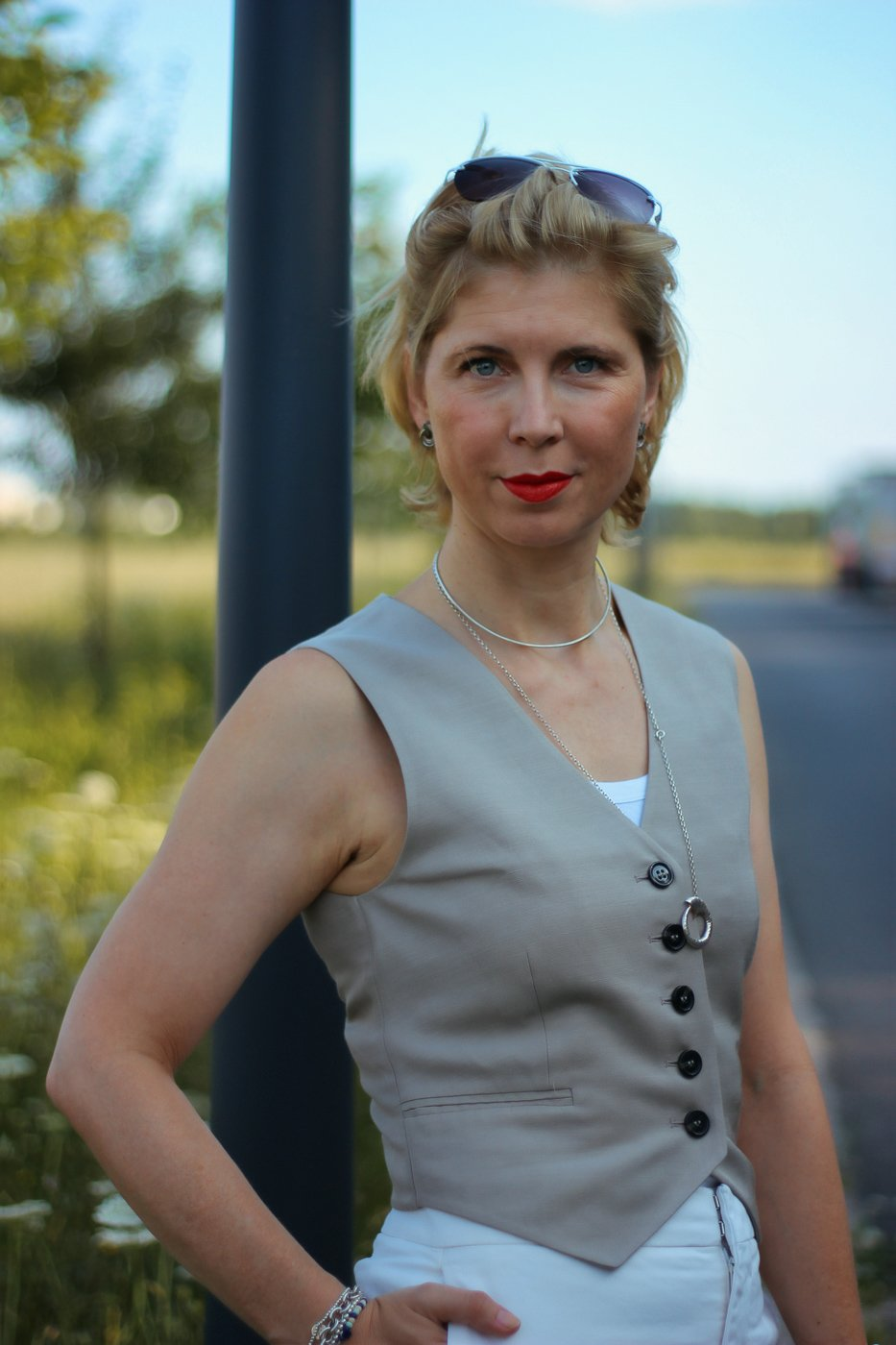 conny doll lifestyle: Weste, Ein Sommerstyle mit Anzugsweste