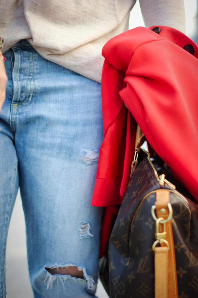 conny doll lifestyle: Jeans, Details, casual styling, destroyed denim