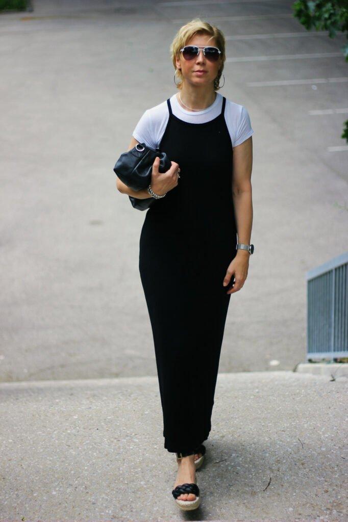 conny doll lifestyle: Wie style ich einen Slipdress aus Baumwolle. Was beachte ich beim Styling. Figurnah, welcher Schuh?