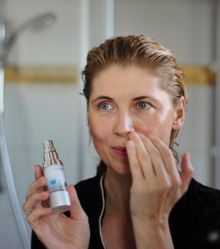 conny doll lifestyle: Alternative zu Botox - Faltentiefe reduzieren mit einer Creme?