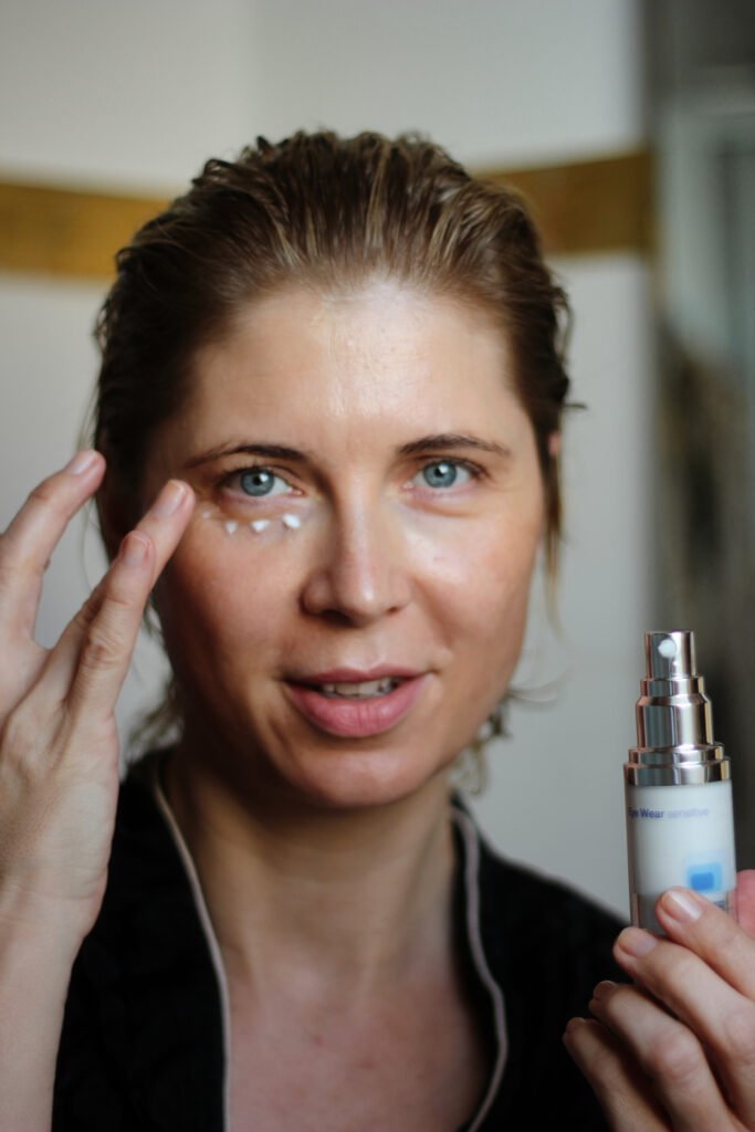 conny doll lifestyle: Cellusana, Hautpflege- Faltentiefe reduzieren mit einer Creme?