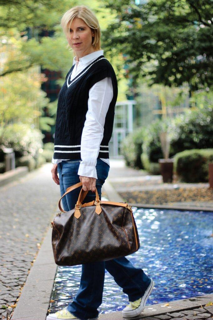 conny doll lifestyle: Pullunder im Herbst - Oversized für ein lässiges Styling