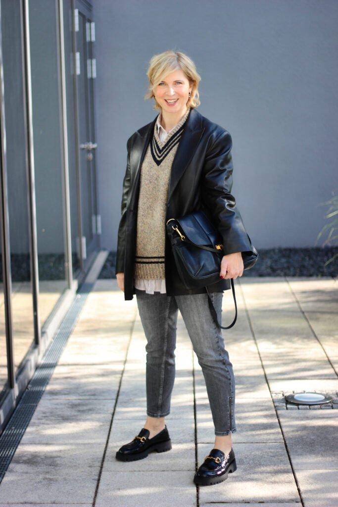 conny doll lifestyle: Loafer mit derber Sohle - flache Schuhe zum Herbststyle, Lederblazer